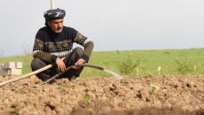 فلاحو كركوك: لا يسمحون لنا بالوصول الى أراضينا الزراعية