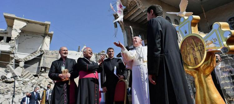 Nadia Murad'ında aralarında bulunduğu aktivistlerden Papa'ya açık mektup