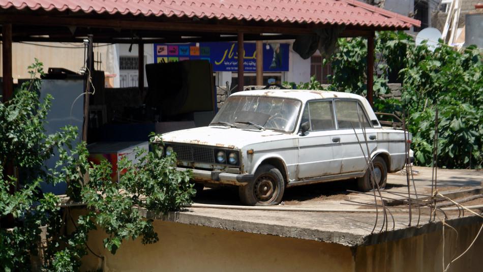 10 yıl önce çatıya bırakılan Lada arabasının hikâyesi