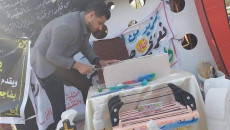 نحات موصلي بأنامله يجسد المعالم الحضارية لمكونات العراق