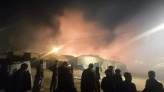 Ezidi göçmen kampında yangın: Baba ve 3 çocuğu can verdi