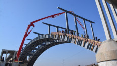 Mosul bridges reconstructed at lumbering pace