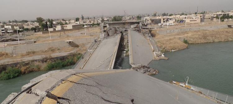 مدينة الموصل ماتزال مقطعة الاوصال بانتظار إعادة جسورها الخمسة الى الخدمة