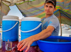 Mohammed Jumma, a fresh juice seller, is proud of his job
